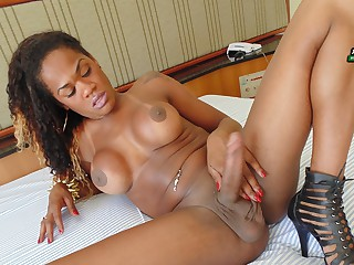 Carol Dias Shoots A Huge Load - Brazilian-Transsexuals